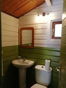 A bathroom at Camping la Pedrera