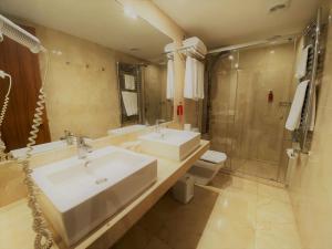 Een badkamer bij Hotel Costa Brava