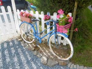 Cycling at or in the surroundings of La Bicyclette Bleue