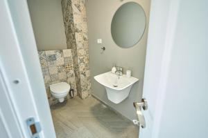 A bathroom at Wait`N Sea House