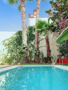 The swimming pool at or near Vega House Málaga - Private house with pool for 12