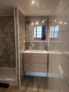 A bathroom at La Maison de Valentino