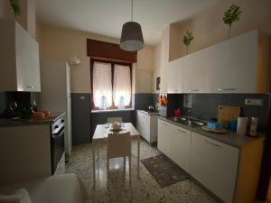 A kitchen or kitchenette at Corso Vittorio Emanuele Luxury house