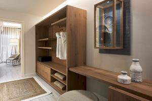 A bathroom at Palladium Hotel