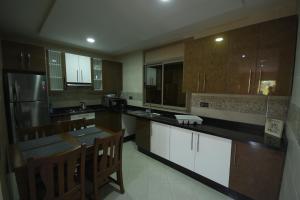 Cuisine ou kitchenette dans l'établissement TAMRAGHT HOUSE BANANA