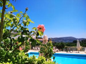 The swimming pool at or close to Hotel Marilen