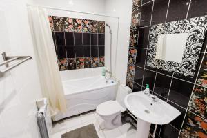 Ванная комната в Hotel Shokolad