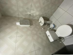 A bathroom at Pousada Medeiros