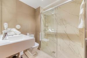 Un baño de Hotel Viella