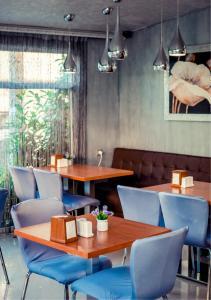 Ресторан / где поесть в Anzhela-Lantana Hotel