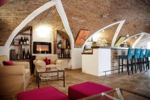 The lounge or bar area at Renaissancehotel Raffelsberger Hof B&B