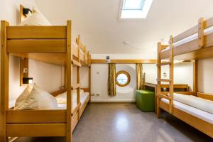 A bunk bed or bunk beds in a room at Jugendherberge Eichstätt