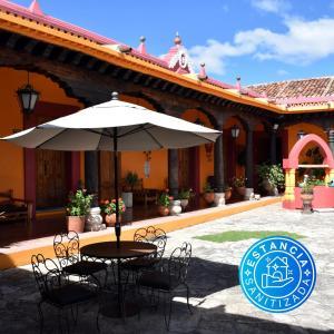 Piscine de l'établissement Hotel Diego de Mazariegos ou située à proximité