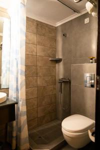 A bathroom at Fanari Hotel