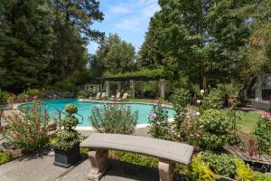 The swimming pool at or near Candlelight Inn Napa Valley