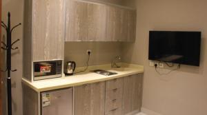 A cozinha ou cozinha compacta de شارع الأمير مشاري بن سعود,المنصورة,الرياض السعودية