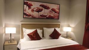 Cama ou camas em um quarto em شارع الأمير مشاري بن سعود,المنصورة,الرياض السعودية