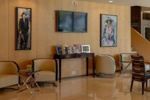 The lobby or reception area at Sea Porto Hotel