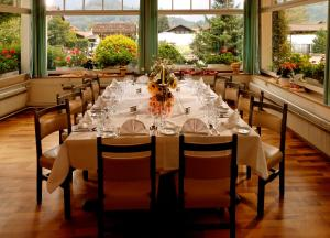 A restaurant or other place to eat at Hotel Beausite