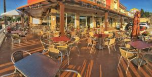 A restaurant or other place to eat at As Eiras Lires