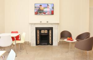 A seating area at Brentwood Guest House