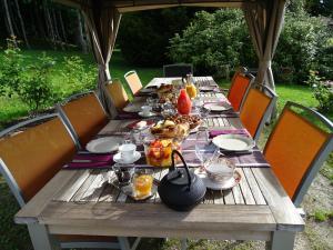 Restaurant ou autre lieu de restauration dans l'établissement Château de Crocq - Chambres d'Hôtes de Charme