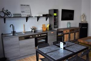 Küche/Küchenzeile in der Unterkunft Auszeit by Kirschner