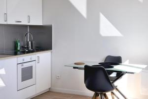 A kitchen or kitchenette at Superb studio close to the VIEUX PORT