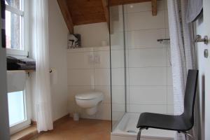 A bathroom at Das Landhotel zur Mühle