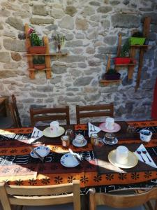 A restaurant or other place to eat at B&B Daddanca