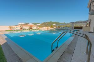 The swimming pool at or near Residence Le Fontane