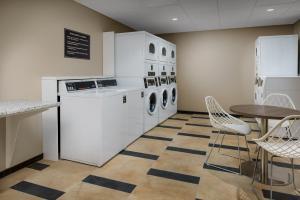 A kitchen or kitchenette at Candlewood Suites - Orlando - Lake Buena Vista, an IHG Hotel