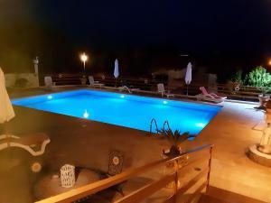 The swimming pool at or close to Baia Luna
