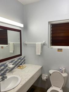 A bathroom at Toby's Resort