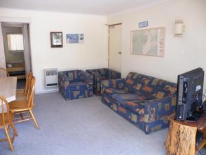 A seating area at Mowamba E1