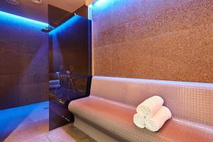 A bathroom at Garden Suites Park Plava Laguna