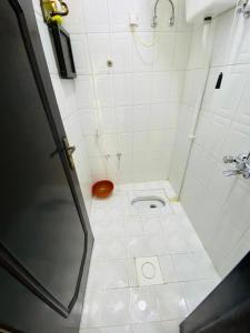 Um banheiro em سحاب أبها