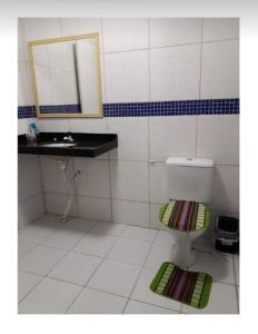 A bathroom at Aconchego