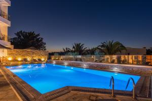 The swimming pool at or close to Anna Maria Village