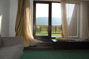 O vedere generală la munți sau o vedere la munte luată de la acest hotel