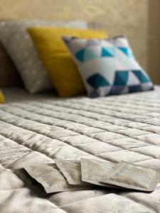 Кровать или кровати в номере Apartment Chkalova