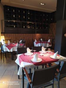 Un restaurante o sitio para comer en Casa Clara