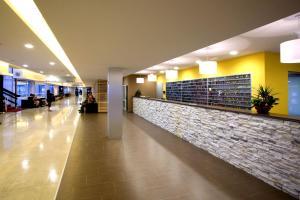 The lobby or reception area at Hotel Delfin Plava Laguna