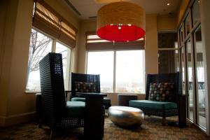 A seating area at Hilton Garden Inn Rockaway