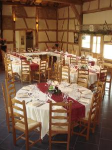 Restaurant ou autre lieu de restauration dans l'établissement Domaine des Brouilles