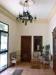 A seating area at Hostal las Tres Jotas