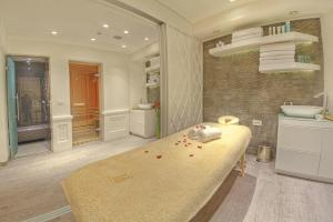 Spa and/or other wellness facilities at Hotel Moskva