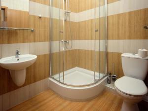 Vonios kambarys apgyvendinimo įstaigoje Kamanos