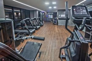 The fitness centre and/or fitness facilities at Edifício Time - Apto 524