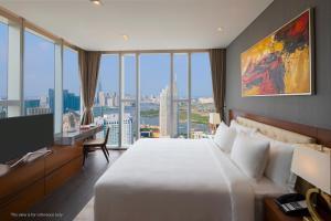 A room at Sedona Suites Ho Chi Minh City